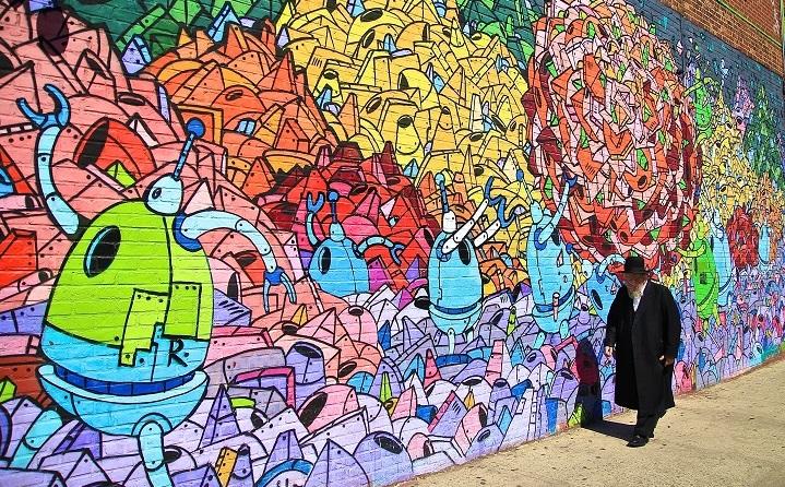 Williamsburg, Brooklyn, robot mural, New York, USA ©Richard Burger/ Flickr