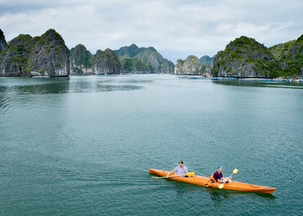 Discover Vietnam - cover