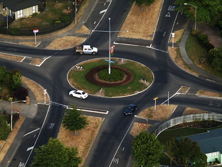 Right-hand roundabout