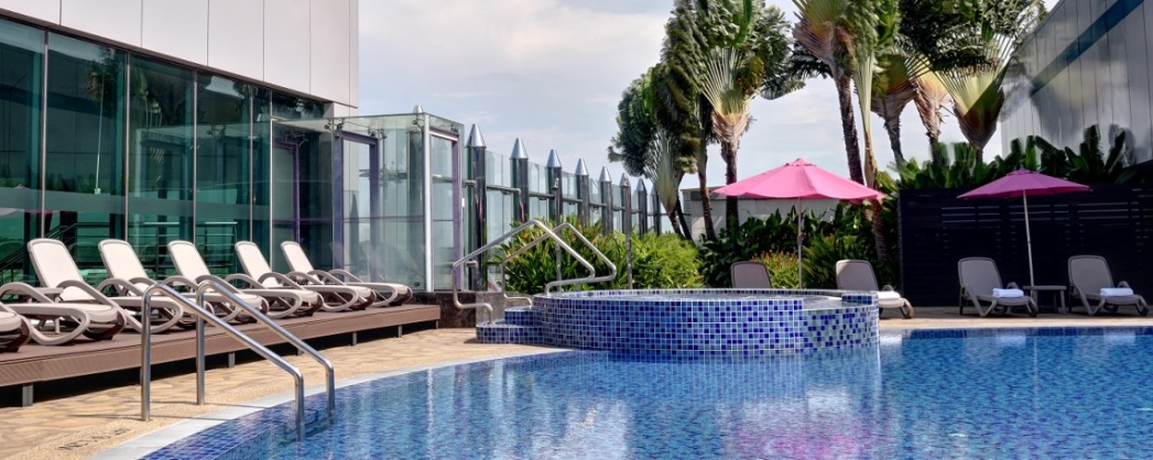 8 hours in singapore changi airport stopover guide - Swimming pool singapore opening hours ...